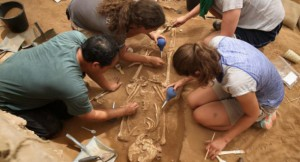 Археологами Израиля найдено кладбище легендарного библейского народа