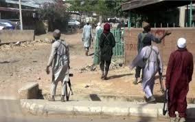 На северо-западе Нигерии вооруженные группировки напали на три села